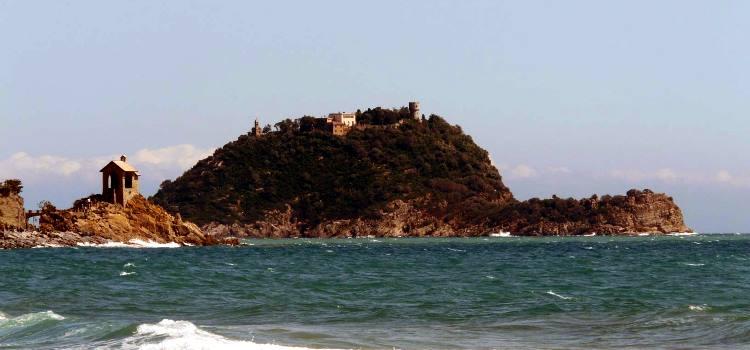 L'isola Gallinara: tra storia e natura