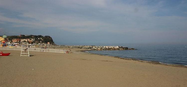 albissola marina spiaggia